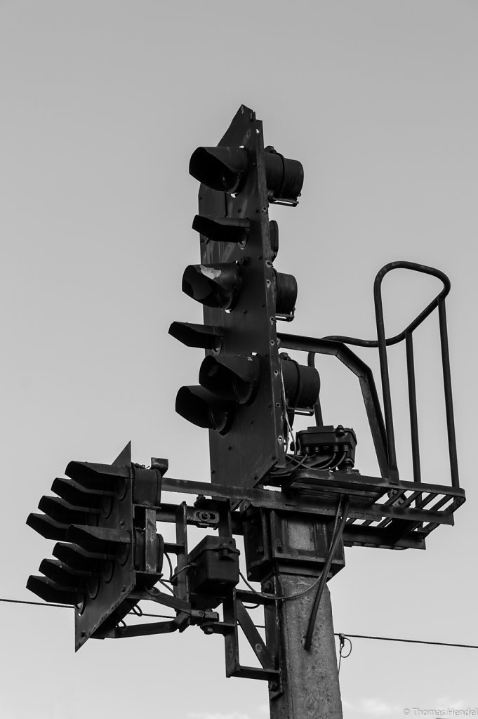 Please, give me a signal!